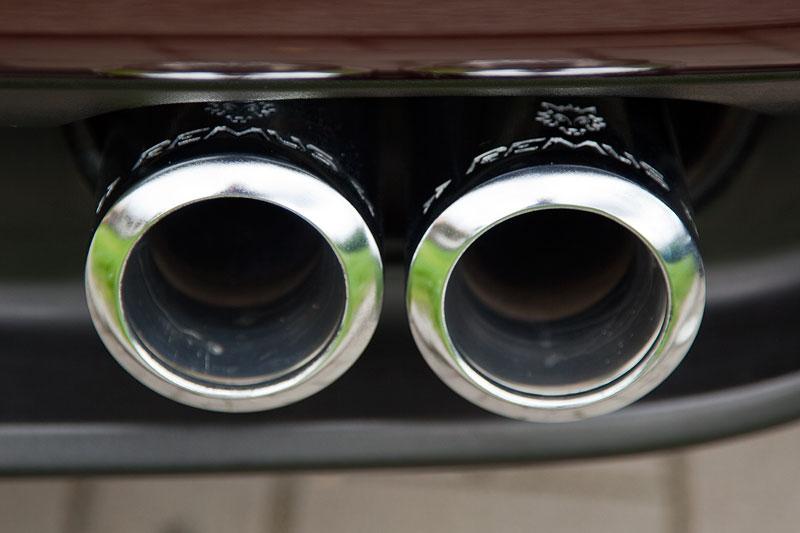 Doppel-Auspuffrohre am BMW X5 3.0i (E53) von Michal ('bmwe23')