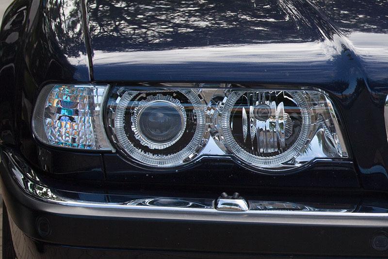 Scheinwerfer von Depo am BMW 740d (E38) von Michael ('McTube')