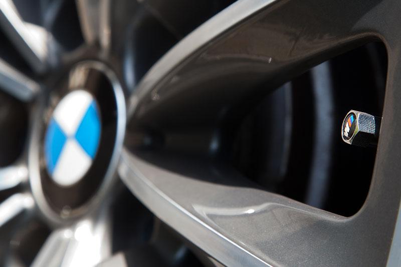 BMW Rad mit BMW M Ventilkappe auf dem BMW 750Li (F02) von Christian ('Christian')