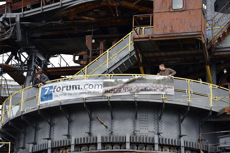 7-forum.com Banner, angebracht an einen der Bagger in der Ferropolis