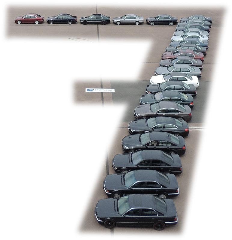 Eine aus 7er-BMWs gestellte 7 in der Ferropolis