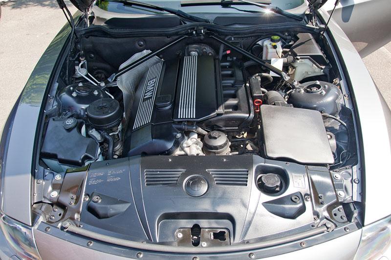 Foto 6 Zylinder Motor Im Bmw Z4 Von Brigitte Vergr 246 223 Ert