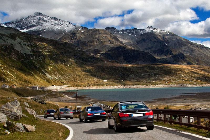 Pass-Strecke über die Alpen im 7er-Konvoi mit Ziel Comer See in Italien, hinten der 730d von Matthias ('TheTwins74')
