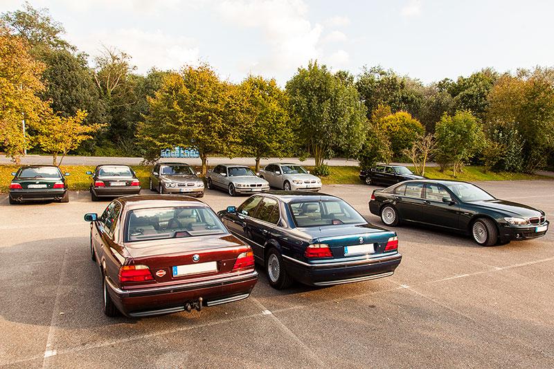 BMW 7er Parkplatz beim 100. Rheinischen BMW 7er-Stammtisch in Wickrath