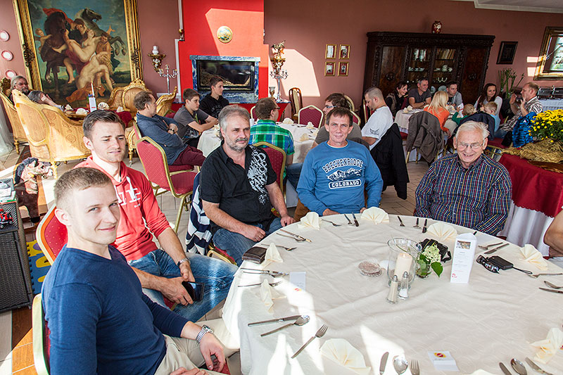 Teilnehmer im trattoria al faro, links: Peter ('Sachsen-7er')