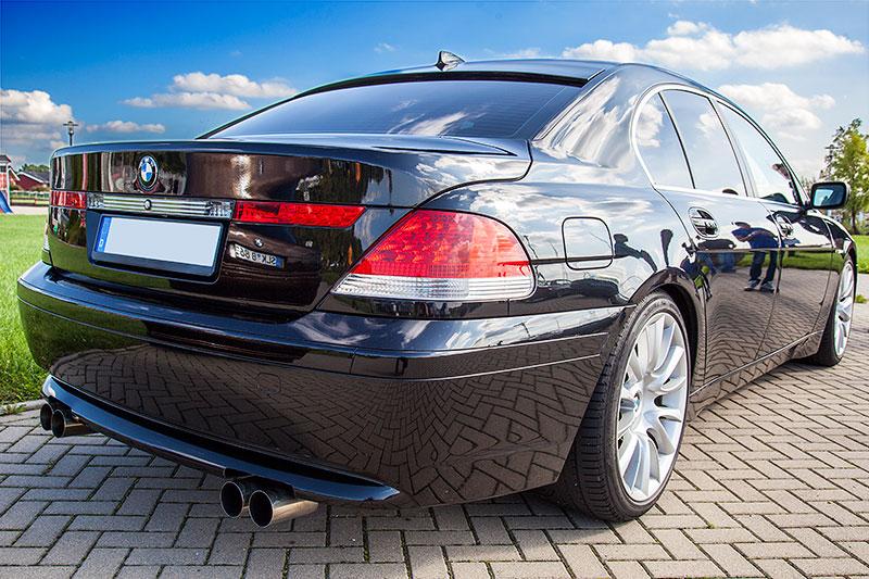 BMW 745i (E65) mit neuen Auspuff-Endrohren
