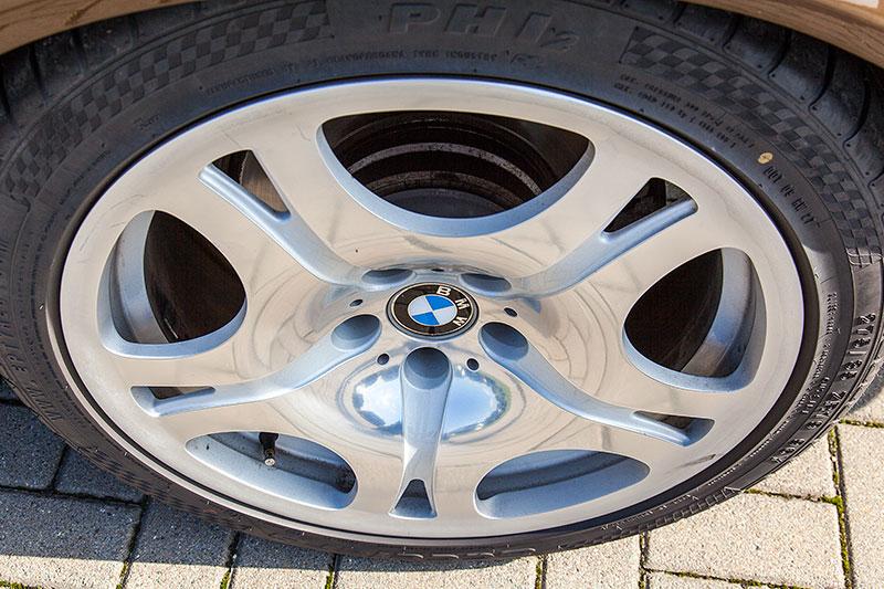 BMW 19 Zoll Alufelge mit 275iger Bereifung auf dem BMW 730i (E38) von Björn ('Becki316')