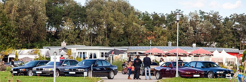 BMW 7er-Parkplatz am trattoria al faro