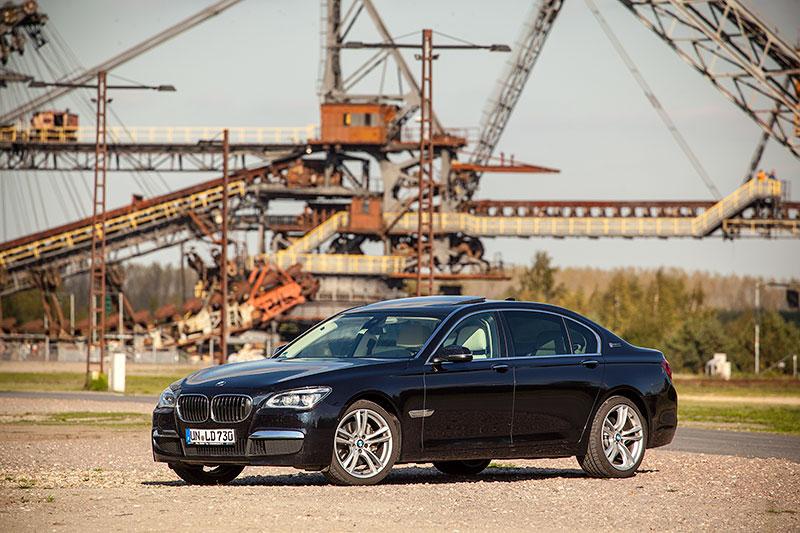 BMW 730Ld (F02 LCI) von Christian ('Christian') an der Ferropolis mit dem Gemini Absetzer im Hintergrund