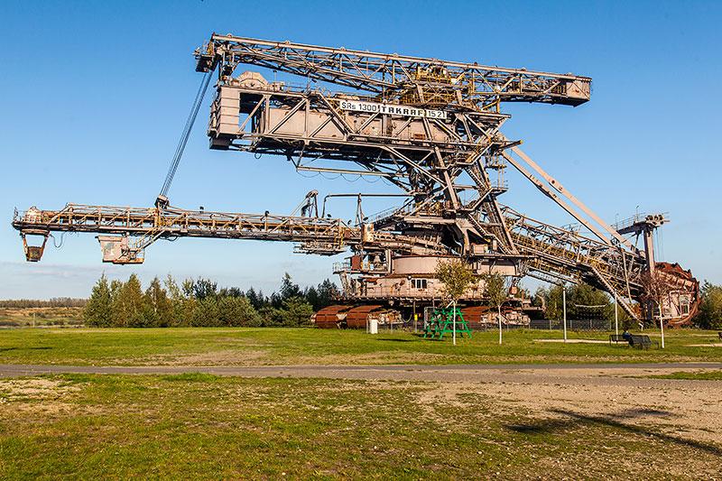 Ferropolis: Big Wheel Schaufelradbagger auf Raupenfahrwerk, Baujahr 1984, 1.718 Tonnen schwer, 74.5 m lang