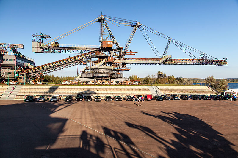 Ferropolis: Gemini Zweiteiliger Absetzer auf Schienenfahrwerk, Baujahr 1958, 1.980 Tonnen schwer, 125 m lang