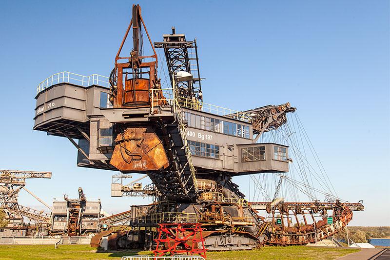 Ferropolis: Medusa Absetzer auf Schienenfahrwerk, Baujahr 1959, 1.200 Tonnen schwer, Länge: 102 m