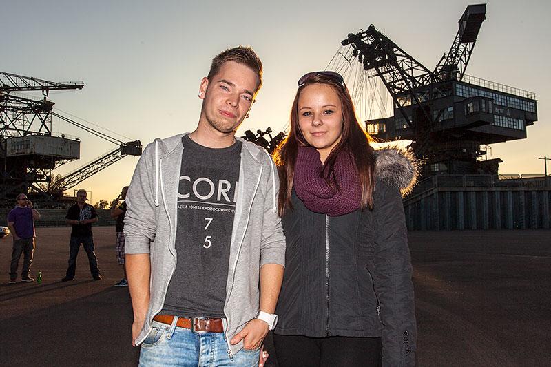 Teilnehmer am späten Nachmittag in der Ferropolis-Arena: Manuel und Anne (Tochter von 'neu')