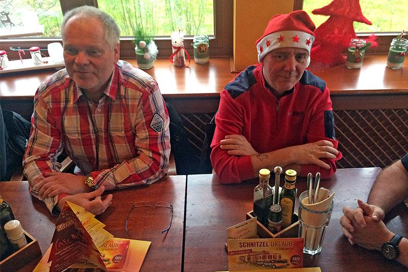 Frank ('Festus03') und Ralf ('MetalOpa') beim Weihnachts-Stammtisch