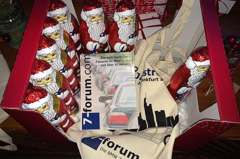 Jeder Teilnehmer bekam einen Schoko-Weihnachtsmann, einen Forumsbeutel und Forums-Flyer