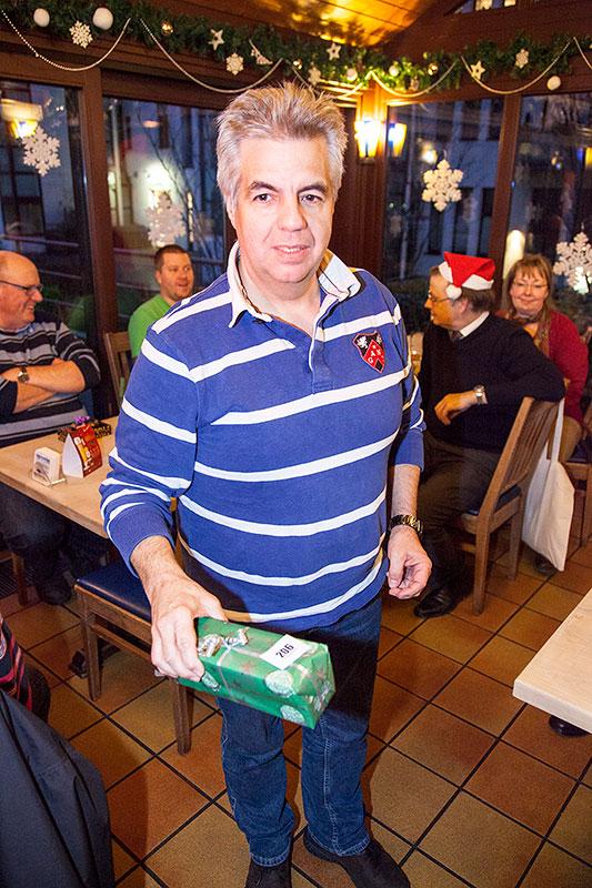 Uwe ('Acur-six') mit seinem Wichtelgeschenk