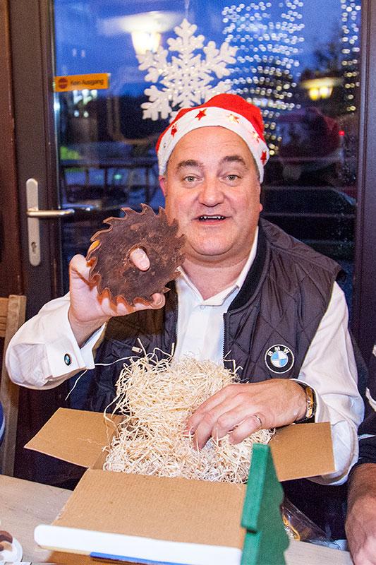 Stammtisch-Organisator Rudi ('rednose') fand Werkzeug aus Schokolade in seinem Wichtelpaket