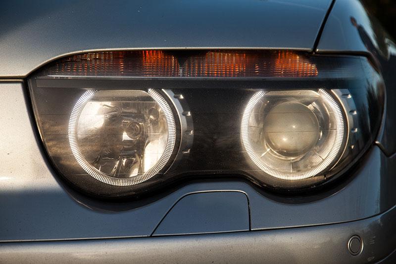 BMW 745i (E65), von Alain ('Alien'), mit nachgerüsteten LED Leuchtringen