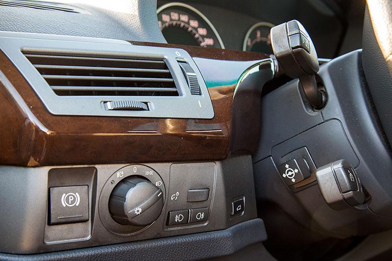 BMW 745i (E65), von Alain ('Alien'), Blick in den Innenraum
