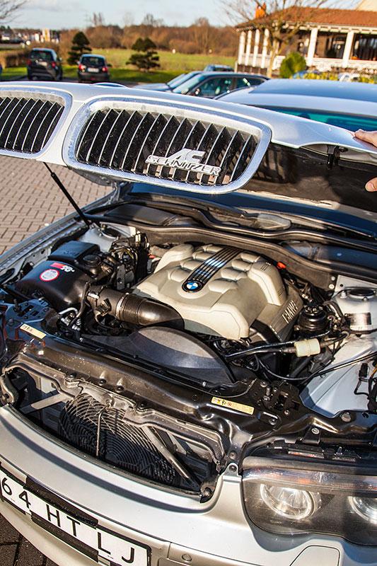 BMW 745i (E65), von Alain ('Alien'), Motorraum