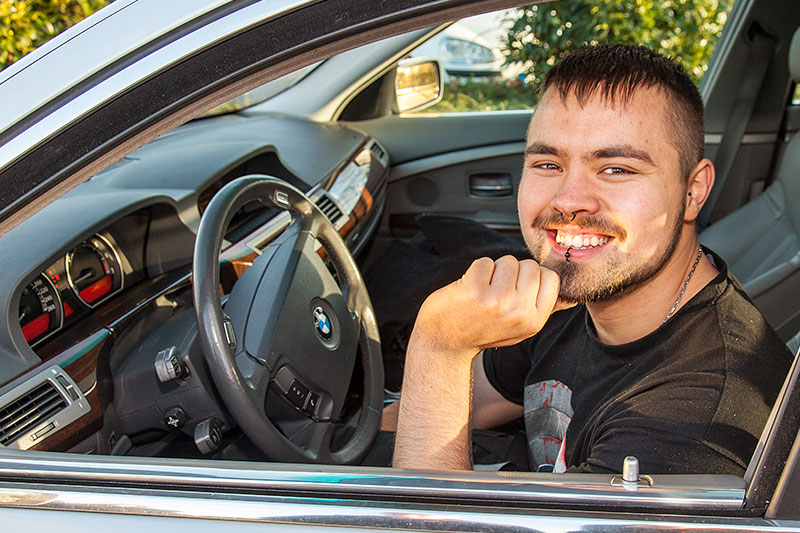 Alain ('Alien') in seinem neuen BMW 745i (E65)