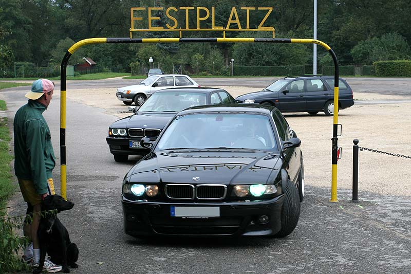 Start der BMW-Sternfahrt vom Oberensinger Festplatz