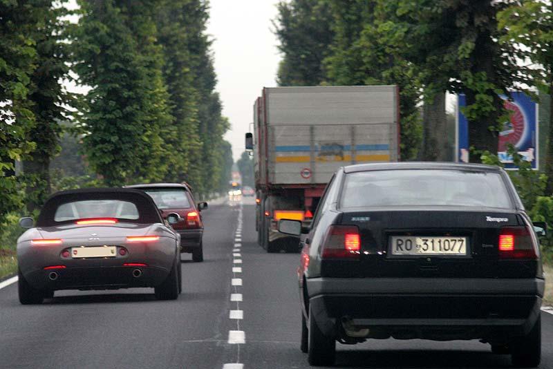 Pascal wird mit seinem Z8 beim Überholen auf der Landstraße ausgebremst