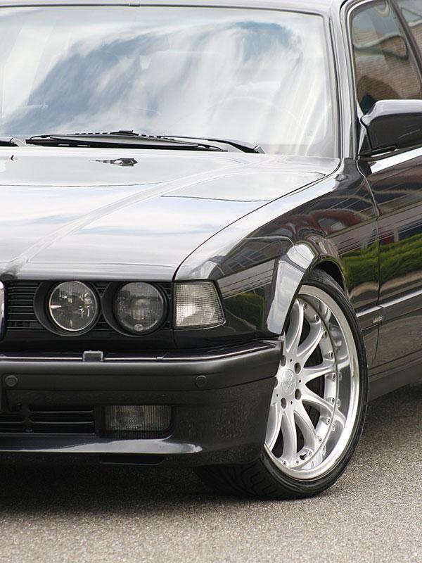 BMW 750iL (E32) von Francois de Bukviel