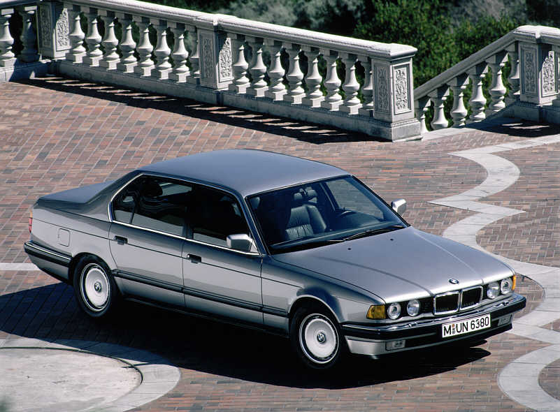 BMW 750iL (Modell E32)