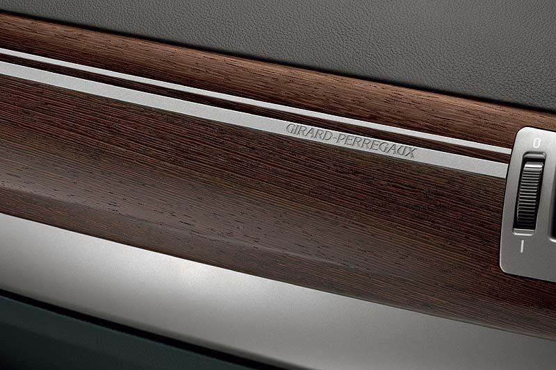 BMW Individual 760Li mit Leisten aus Wenge Holz mit Titan-Intarsien