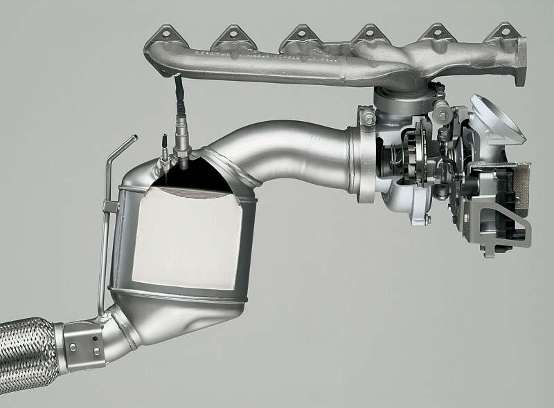 Turbolader und Katalysator des 6-Zylinder Dieselmotors