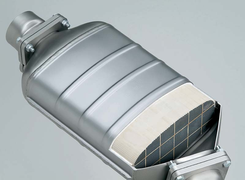 Dieselpartikelfilter des 6-Zylinder Dieselmotors