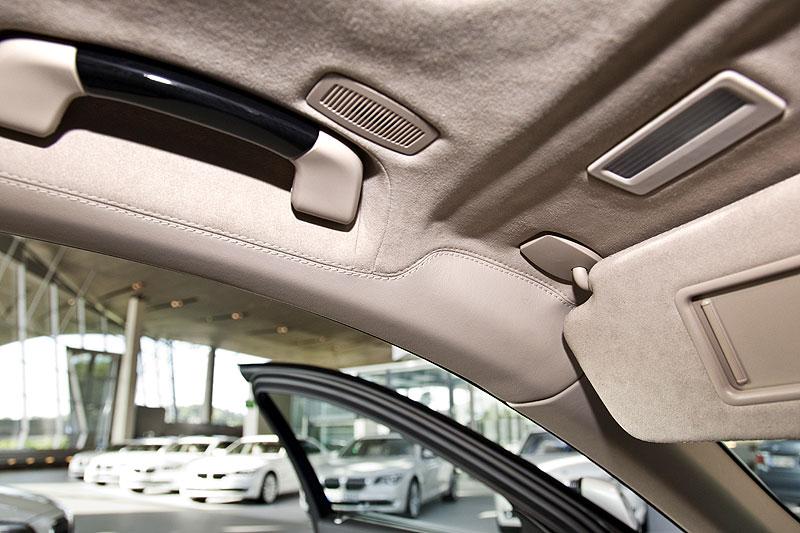 BMW 760Li, Blick in den Innenraum: Alcantara-Dachhimmel