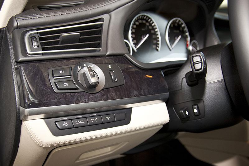 BMW 760Li, Blick in den Innenraum: Bedienelemente