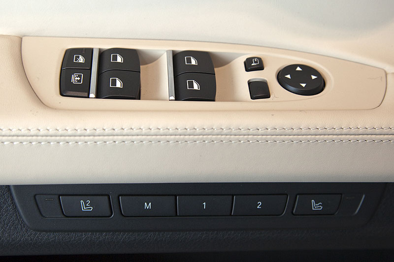 BMW 760Li, Schalterleiste in der Fahrertür