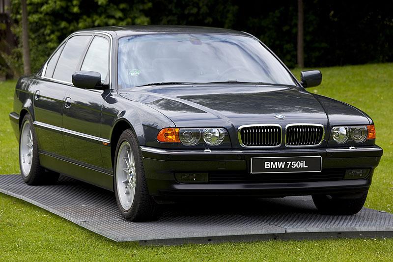 zweite 7er-Generation mit V12-Motor, die E38-Modellreihe: BMW 750iL mit 326 PS