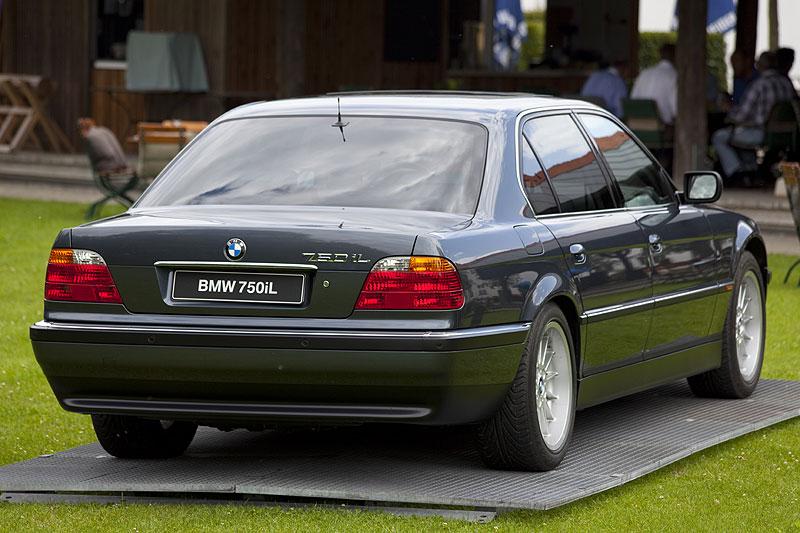 BMW 750iL der E38-Baureihe. Erster 7er mit serienmäßig ab Werk lieferbaren Navigationssystem