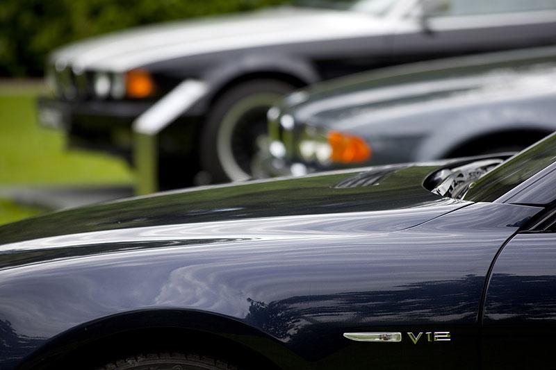 Drei Generationen 7er-BMW mit V12-Motor