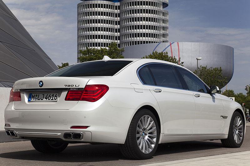 BMW 760Li in München nach Abschluß der Testfahrt