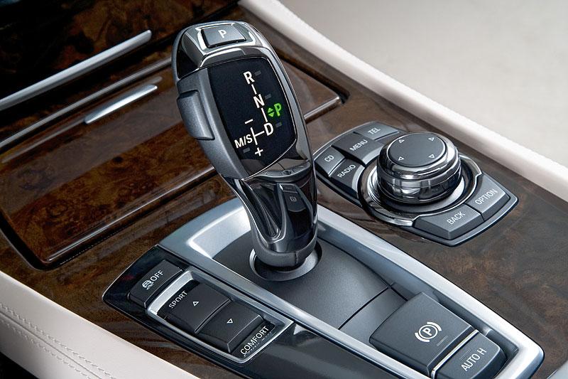 BMW 760Li (Modell F02), Wählhebel 8-Gang-Automatik