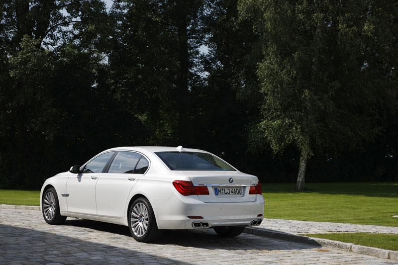 BMW 760Li (Modell F02) on location in München