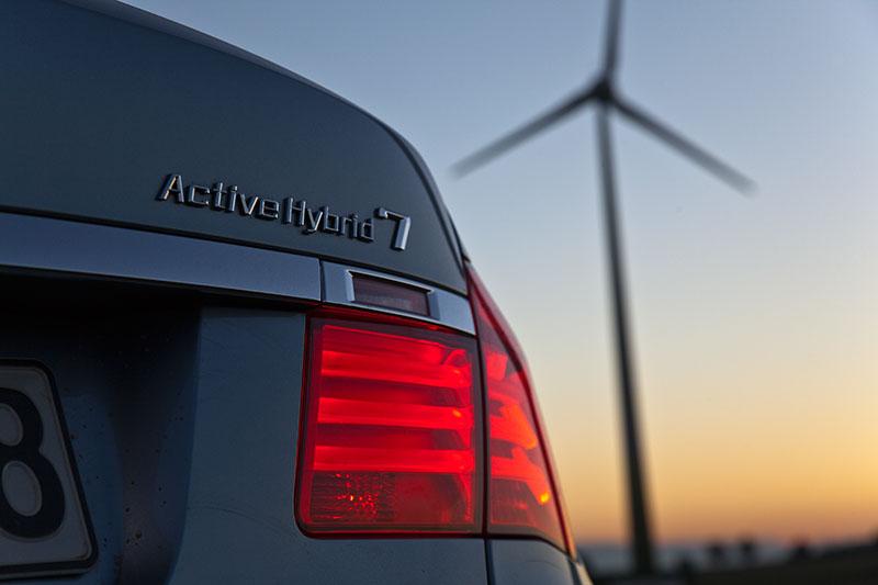 BMW ActiveHybrid 7: mit seinen Fahrleistungen der dynamischste Hybrid-Antrieb im Segment