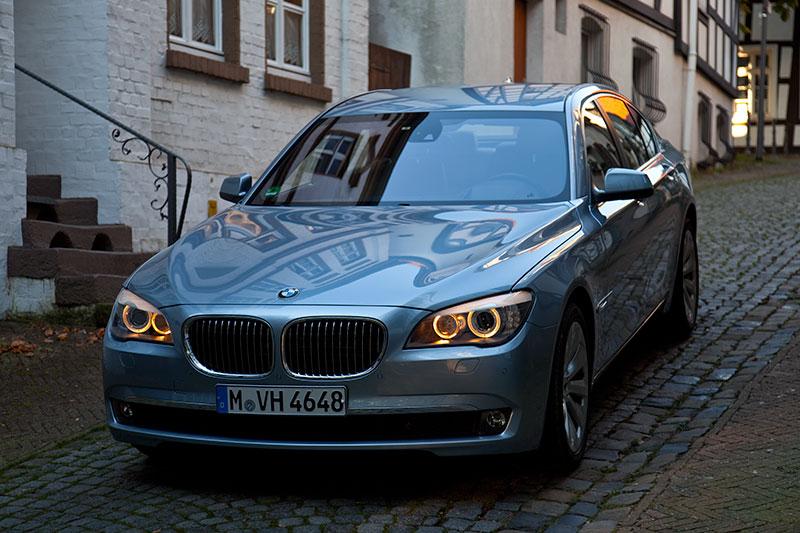 BMW ActiveHybrid 7: Elektro- und V8-Motor leisten im ActiveHybrid zusammen 465 PS