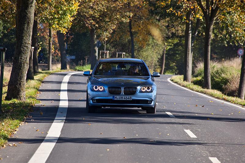 BMW ActiveHybrid 7: mit dem 20 PS starken Elektro-Motor ist kein rein elektrisches Fahren möglich