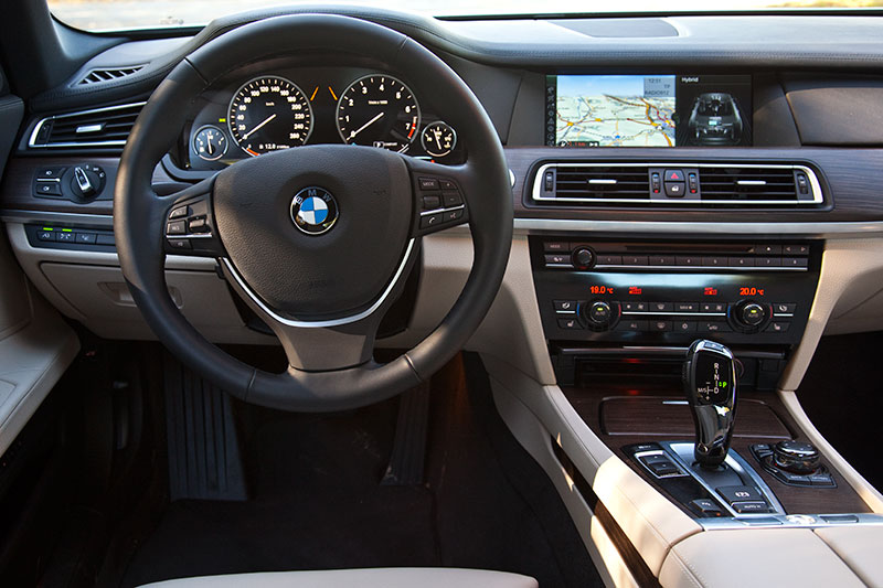 BMW ActiveHybrid 7, Cockpit.