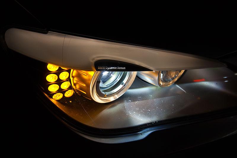 BMW ActiveHybrid 7: serienmäßig mit Bi-Xenonlicht und LED-Blinkern