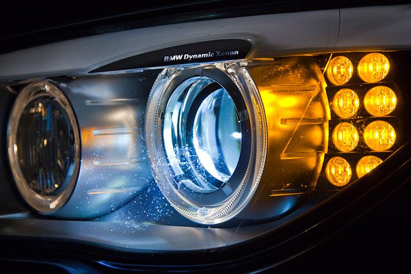 BMW ActiveHybrid 7: gegen Mehrpreis mit adaptivem Kurvenlicht, Abbiegelicht und Fernlicht-Assistenten