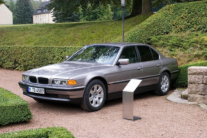 BMW 740i (E38) aus dem Jahr 1998 am Schloss Wolfsbrunn