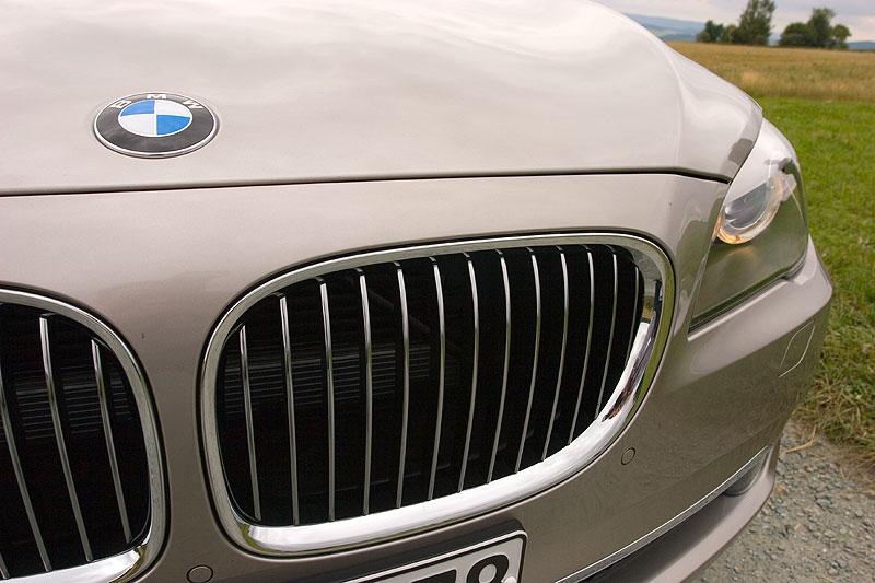 BMW 750Li (F02), Grill