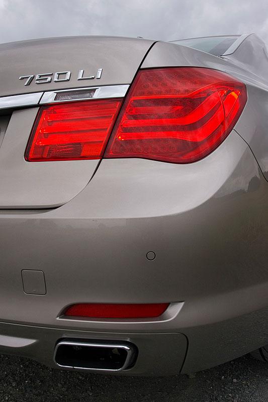 BMW 750Li (F02)